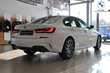 BMW Serii 3 Limuzyna 320i Biały używany Wnętrze