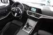 BMW Serii 3 Limuzyna 320i Biały używany Prawy przód