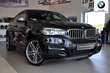 BMW X6 M50d Czarny używany Bok